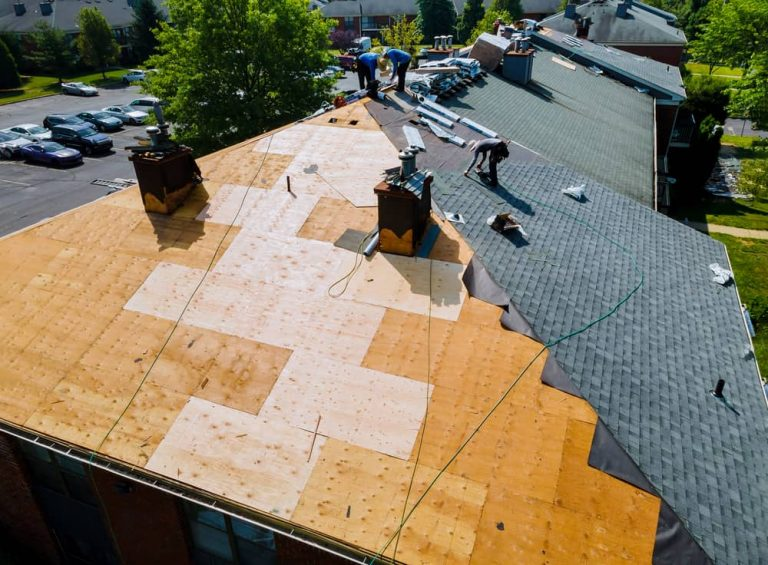 Repair of old roof with new shingle